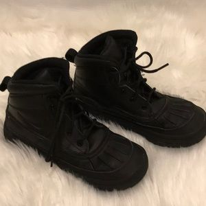 Nike black boots in size 2Y